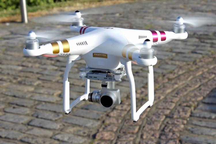 dron wraz z obsługa od RentGrandFox Kraków