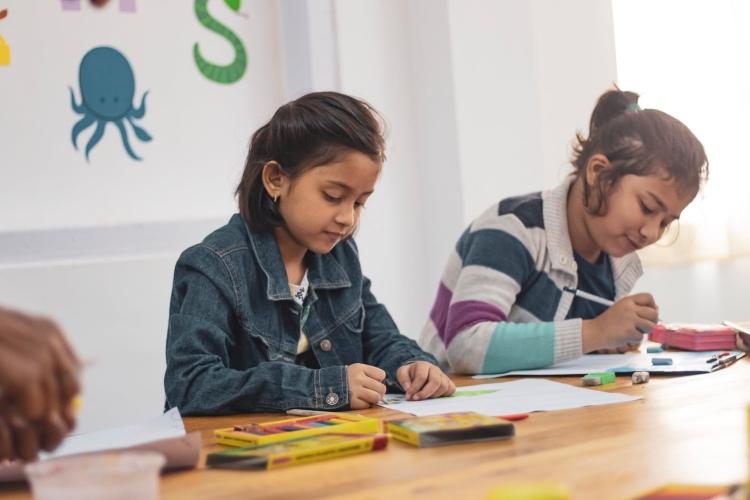 dzieci na lekcji angielskiego